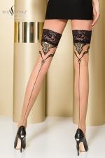 Bas autofixants ST109 Beige : Bas couture en Lycra, soulignés d'un motif fantaisie enrichi d'un fil Lurex doré.