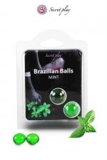 2 Brazilian balls - menthe : La chaleur du corps transforme la brazilian ball en liquide glissant au parfum menthe, votre imagination s'en trouve exacerbée.